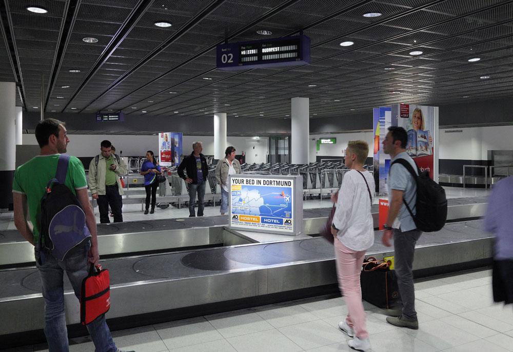 Leuchtkofferwerbung am dortmund airport