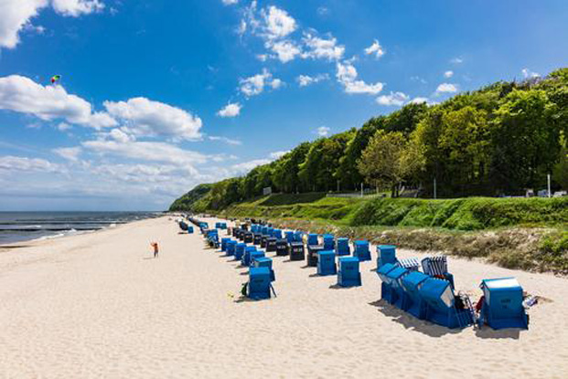 Strandkoerbe in koserow usedom