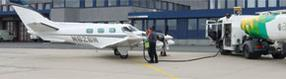 Betankung einer Privatmaschine am Dortmund Airport