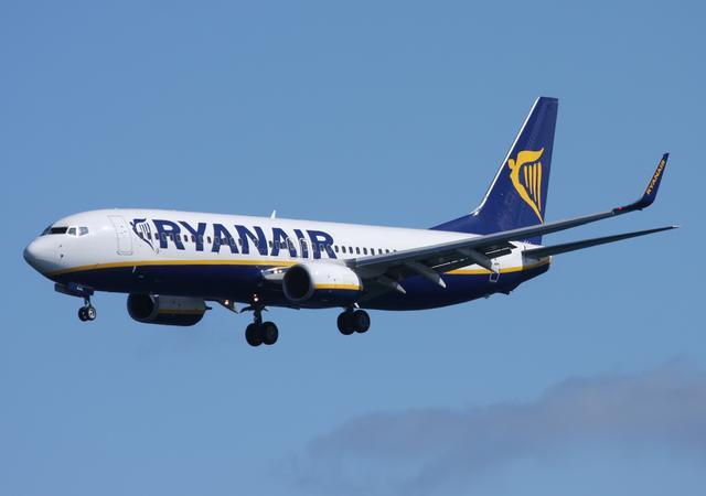 Ryanair Flugzeug in der Luft
