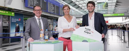 Flugreisende spenden pfandflaschen