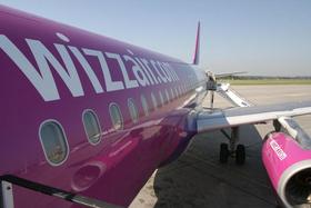 Wizz Air Maschine mit Airline Logo