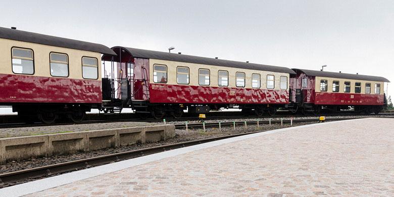 Eisenbahn am Brocken Bahnsteig