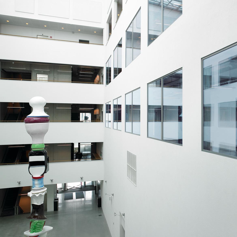 Putzfassade in Innenhalle der Universität Malmö