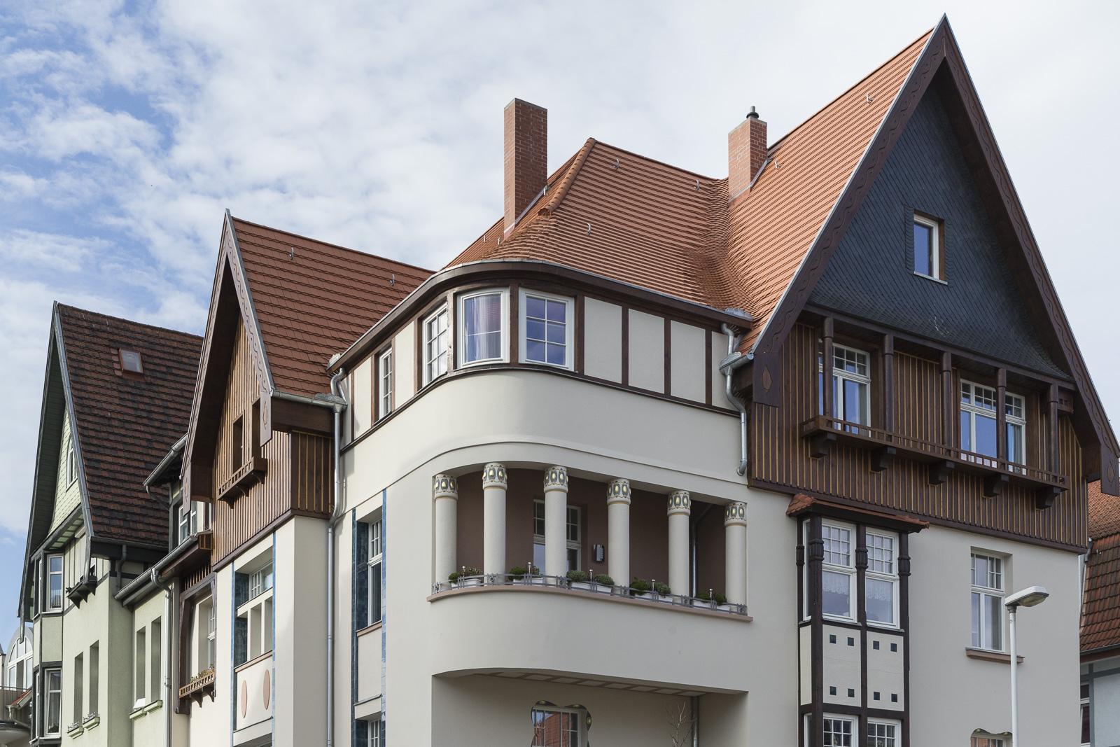 SAKRET Referenz Fassadensanierung Eisenach Fassade von Nahem