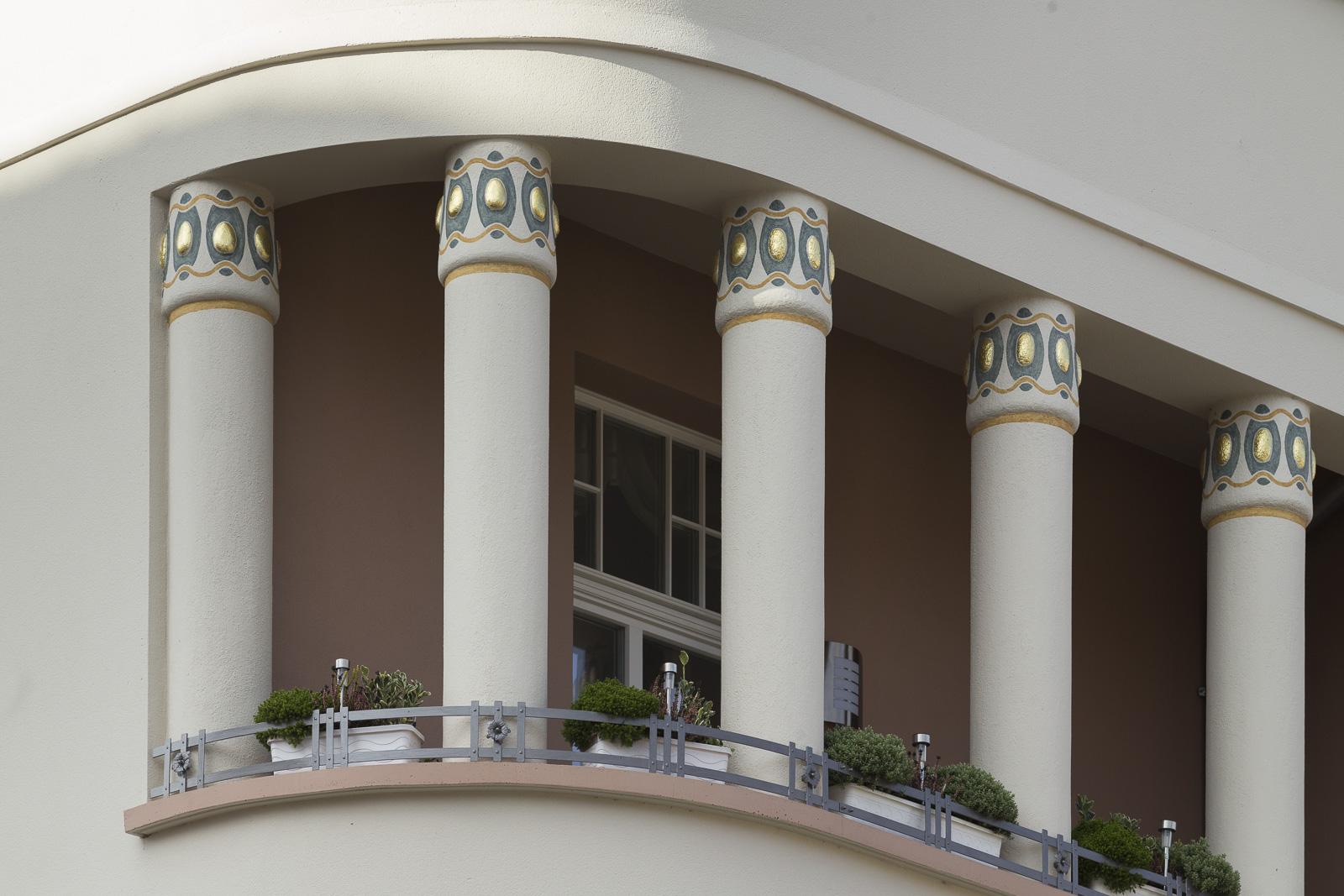 SAKRET Referenz Fassadensanierung Eisenach Säulenkapitelle
