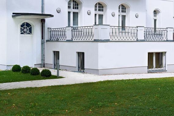 Villa von außen - Nachträgliche Vertikalabdichtung von innen