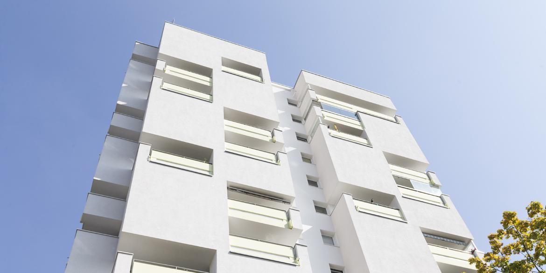 Header für Konstruktionsdetails WDVS - weiße Neubau-Fassade