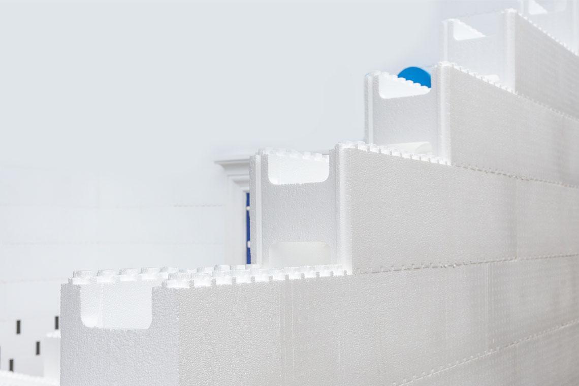 SAKRET Systeme Neubau Putz auf Polystyrolschalungssteinen