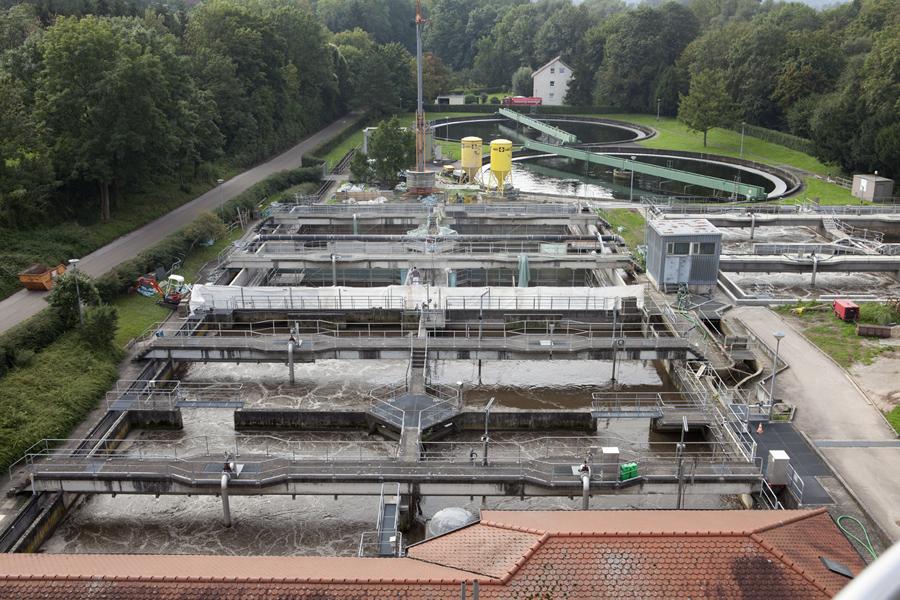 SAKRET Referenz Kläranlage Marbach alle Becken von oben