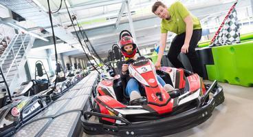 Ein ungewöhnlicher E-Kart-Cup im Nettedrom: Am 8. September treten die Kunden gegen die Kartbahn-Mitarbeiter an.