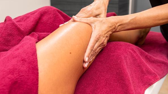 Entspannungsmassage für Beine & Rücken
