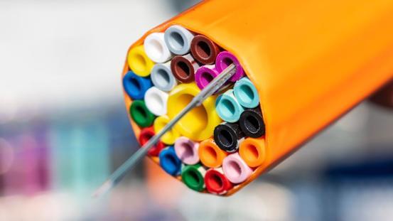Ein Rohrerband mit 24 Mikrorohren zum Schutz der Glasfasern