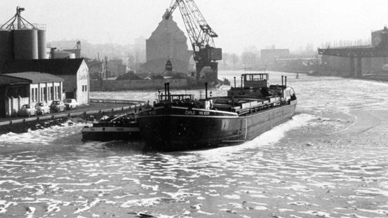 Zugefrorener Hafen Jan 1970