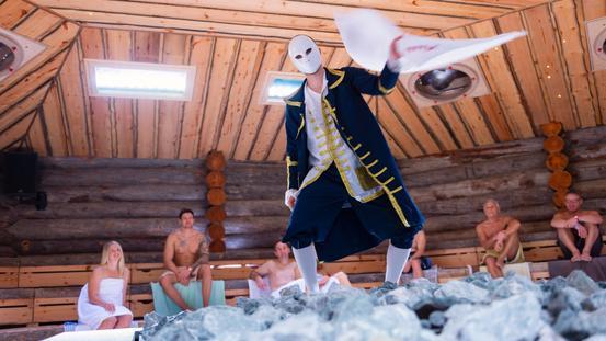 Show-Aufguss in der Loma-Sauna des Nettebades