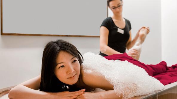 Seifenschaum-Massage im Spa & Beauty der Loma-Sauna