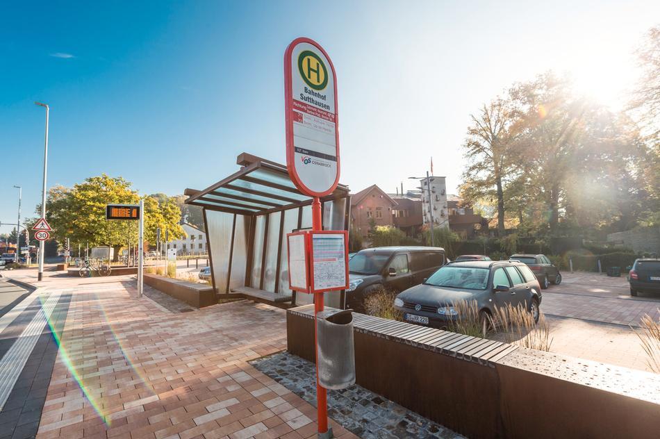 """Bushaltestelle """"Bahnhof Sutthausen"""""""