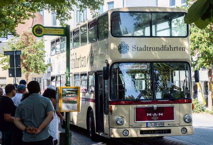 Bis bald! Ab März 2020 steht der Doppeldecker-Bus wieder an der Haltestelle Lortzingstraße.