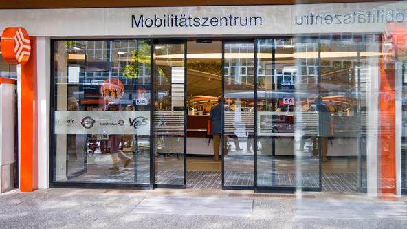 Eingangsbereich des Mobilitätszentrums der Stadtwerke am Neumarkt in Osnabrück