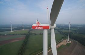 Seit dem 1. Januar bekommen alle Osnabrücker Stadtwerkekunden regional erzeugten Ökostrom ohne Aufpreis – u.a. von den Windrädern in Rieste.