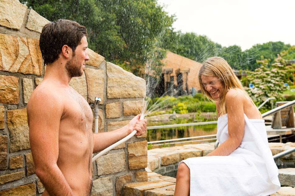 Erleben Sie den Frischkick nach einem heißen Saunagang!