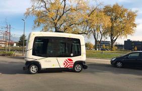 """Der autonome """"Hubi""""-Shuttlebus macht sich bereit für Testphase Zwei am Wissenschaftspark Osnabrück."""