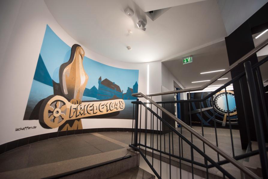 Neue Visitenkarte für Osnabrück: Die Treppenhauswände der Vitihof-Garage wurden künstlerisch gestaltet.