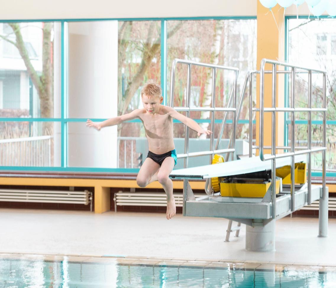 Sprunganlage mit 1m- und 3m-Brett