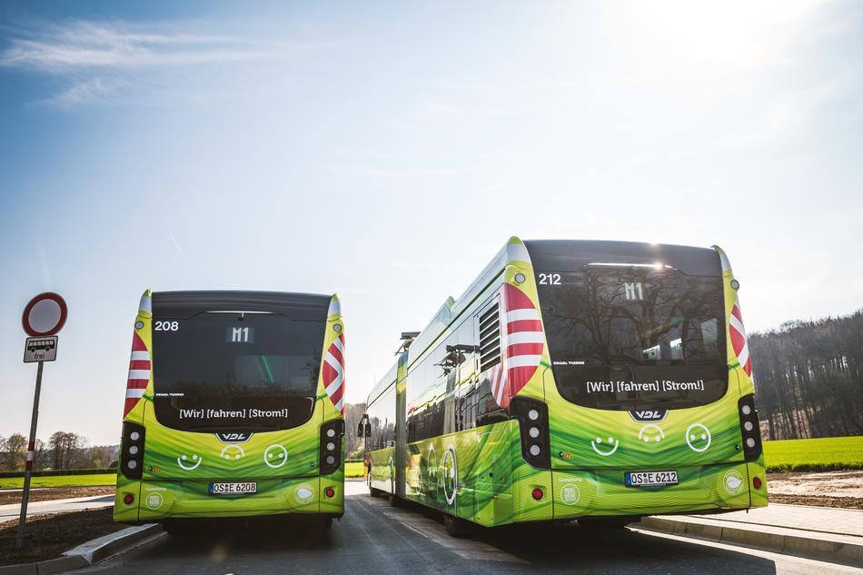 E-Busse laden an der Endhaltestelle in Osnabrück