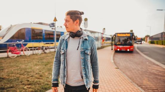 Der VOSPlus Tarif ermöglicht die Nutzung von Bus und Bahn