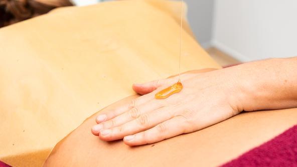 Honig Massage im Spa & Beauty der Loma-Sauna