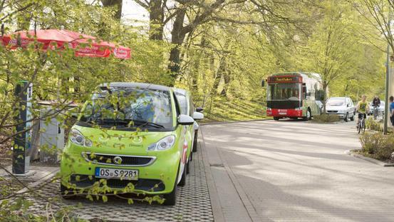Test des Stromnetzes im smart grid beim Laden von E-Autos und E-Bussen