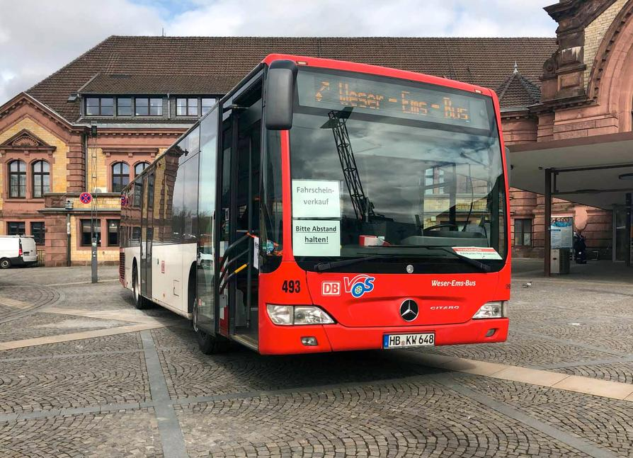 Die VOS richtet mobile Ticketverkaufsstellen ein wie hier am Osnabrücker Hauptbahnhof