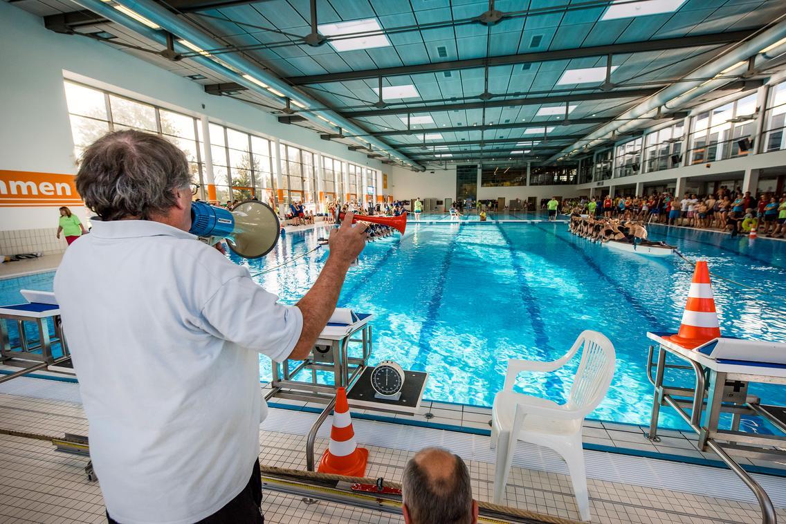 Drachenboot-Indoor-Cup im Nettebad