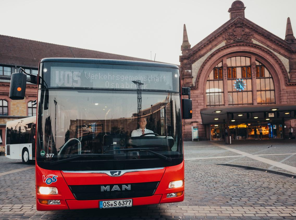 Bus der VOS am Hauptbahnhof Osnabrück