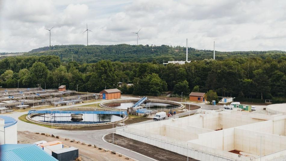 Klärwerk Eversburg von oben mit Blick zum Piesberg