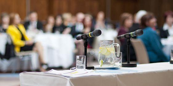 Konferenz mit Publikum