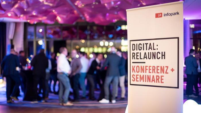 DigitalRelaunch by Dominik Tryba Introduce INT 6813