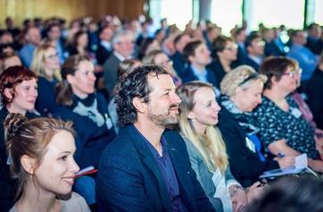 relaunch konferenz teilnehmer