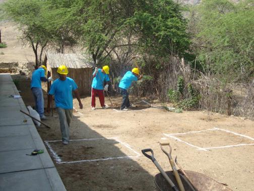 Tiefbauarbeiten für das Wasserver- und -entsorgungsprojekt