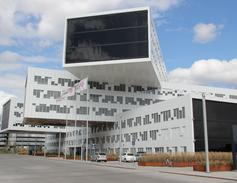 Unik i verdenssammenheng: TROX Auranor og arbeidsfellesskapet Haaland Klima/Randem & Hübert utviklet en spesialkonstruert kombibaffel til Statoil Fornebu. Løsningen er totalt norskprodusert.